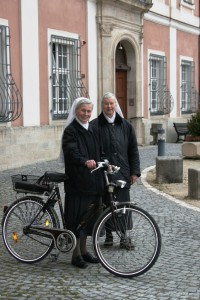 Schwester Juventina und Schwester Agreda